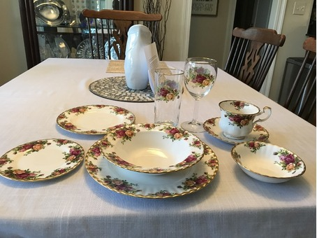 Royal Albert China Set OLD COUNTRY ROSES